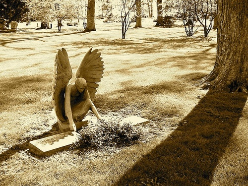 cemetery-sculpture-crying-angel-wallpaper-wp5404008
