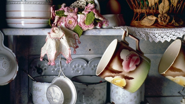 crockery-vintage-shelves-wallpaper-wp34012065