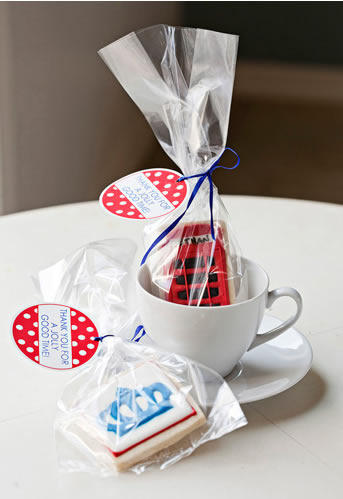 cute-London-themed-party-favors-wallpaper-wp4805643
