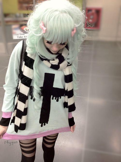 cute-pastel-vs-black-n-crosses-I-m-now-wishing-I-bought-that-pastel-pink-Sourpuss-handbag-to-wallpaper-wp3002529