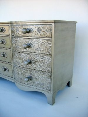 dresser-with-painted-embossed-wallpaper-wp5206022