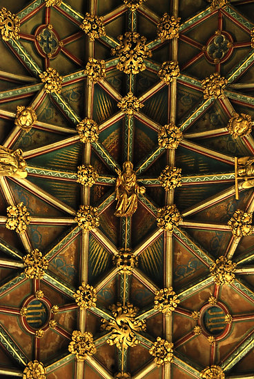 example-of-Net-Vaulting-at-Gloucester-Cathedral-England-detail-of-Gothic-ceiling-wallpaper-wp5206264