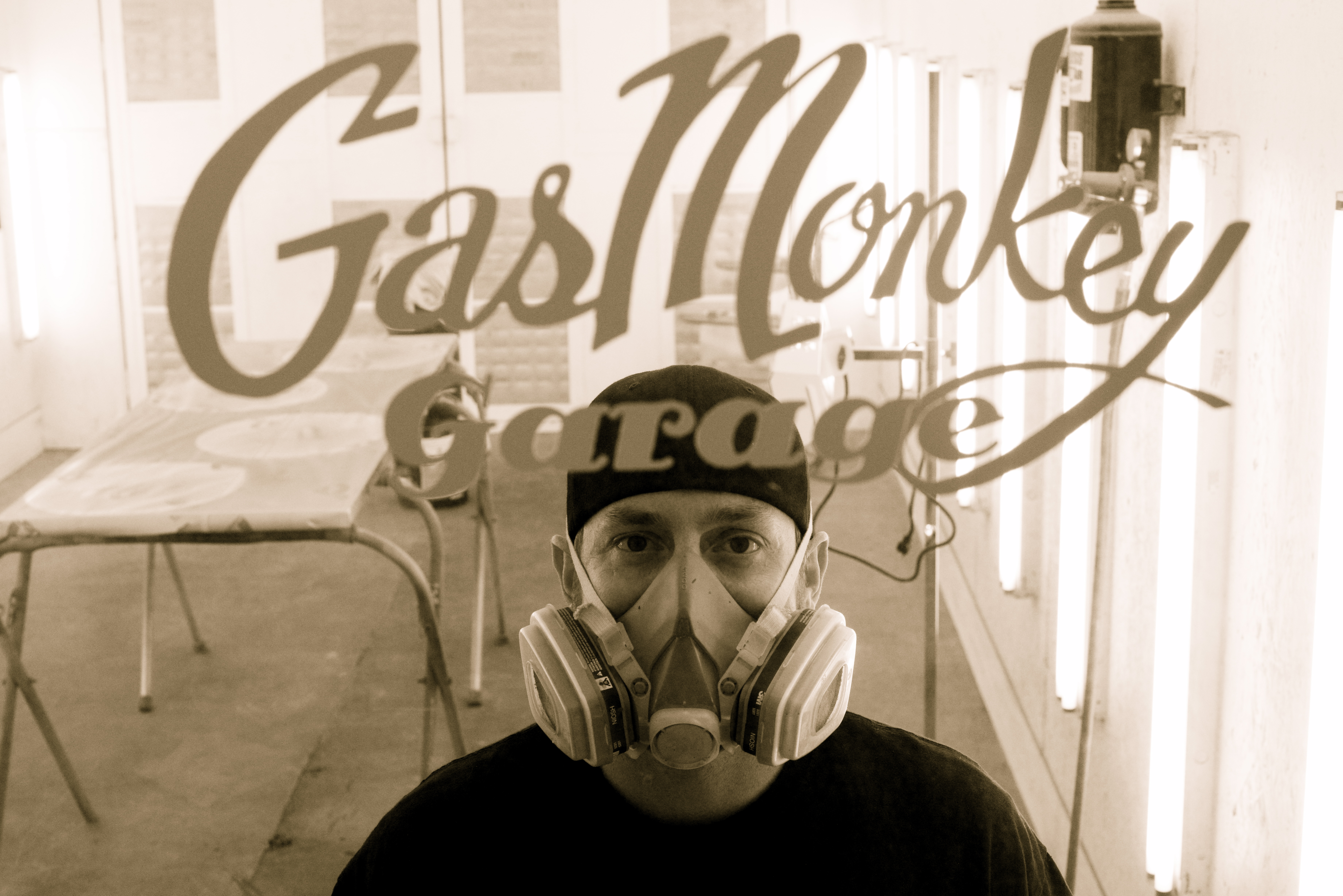 fast-n-loud-on-discovery-channel-s-series-fast-n-loud-with-gas-monkey-garage-wallpaper-wp5206450
