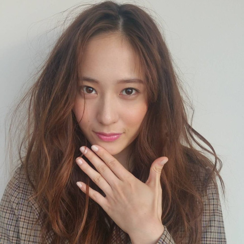 ffbecaddfdb-krystal-jung-pretty-people-wallpaper-wp3002304