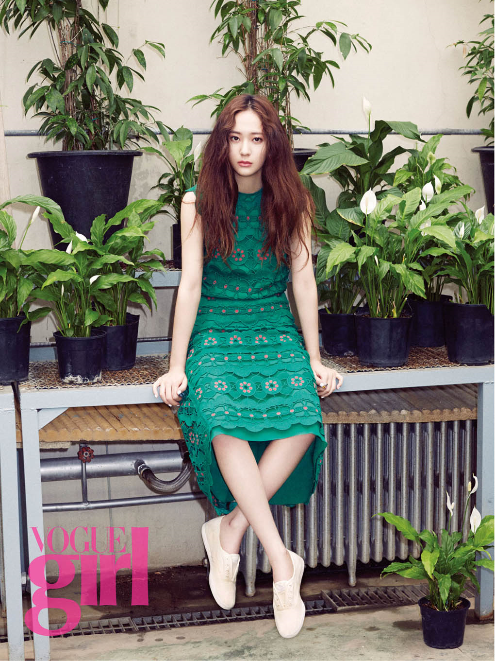 fx-Krystal-Vogue-Girl-Korea-May-Look-wallpaper-wp3005972