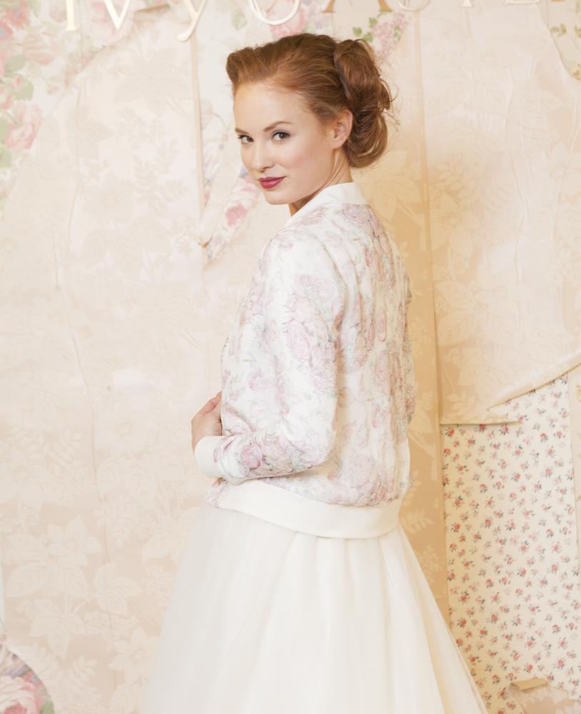 vintage-background-scrappy-romantic-vintage-backdrop-wedding-dress-photograp-wallpaper-wp6006294