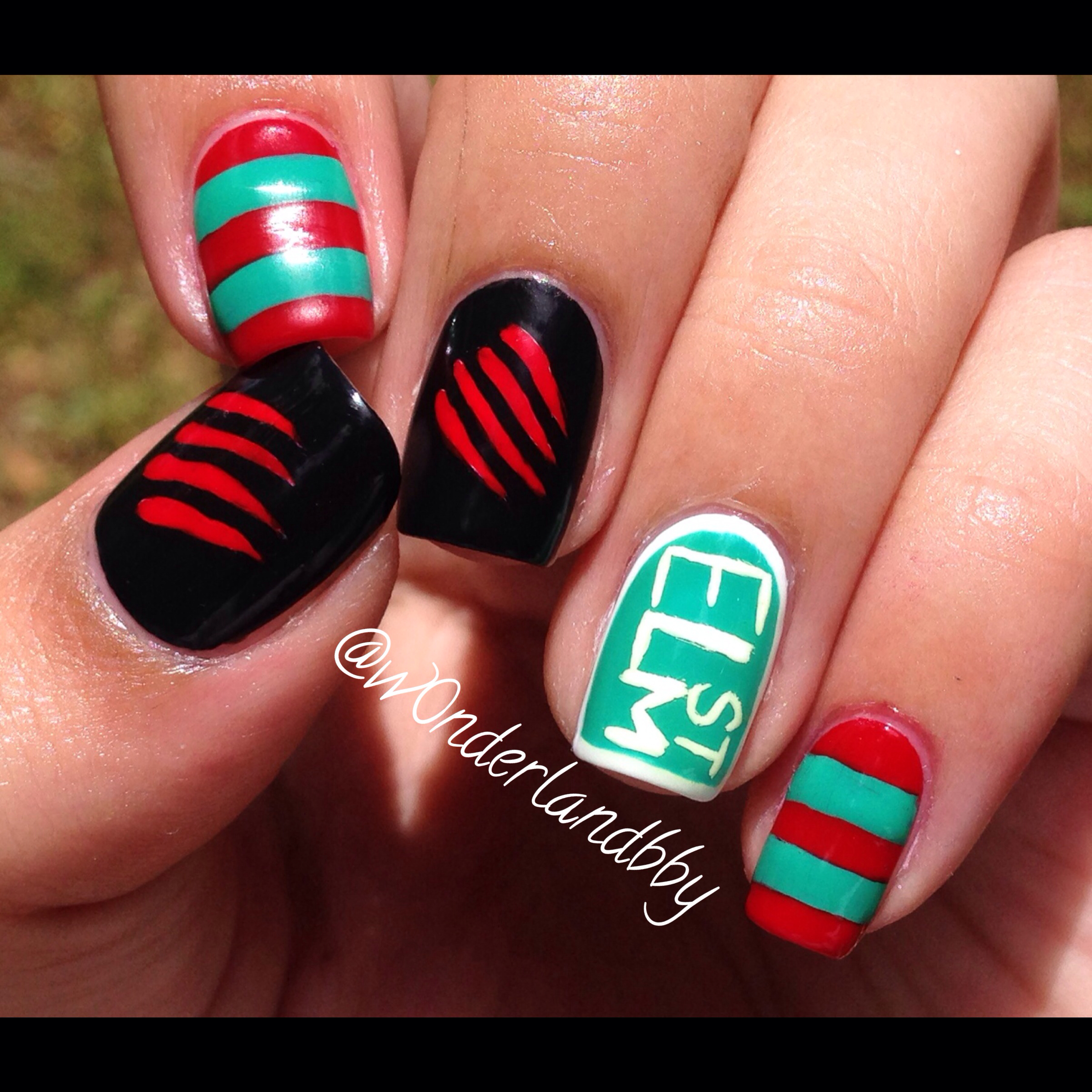 A-Nightmare-on-Elm-Street-nail-art-Freddy-Krueger-nail-art-Love-wallpaper-wpc5801876