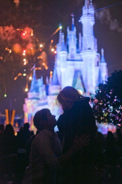 A-magical-Christmas-Day-deserves-a-magical-Disney-Proposal-http-howheasked-com-kristen-and-caleb-wallpaper-wp3602091