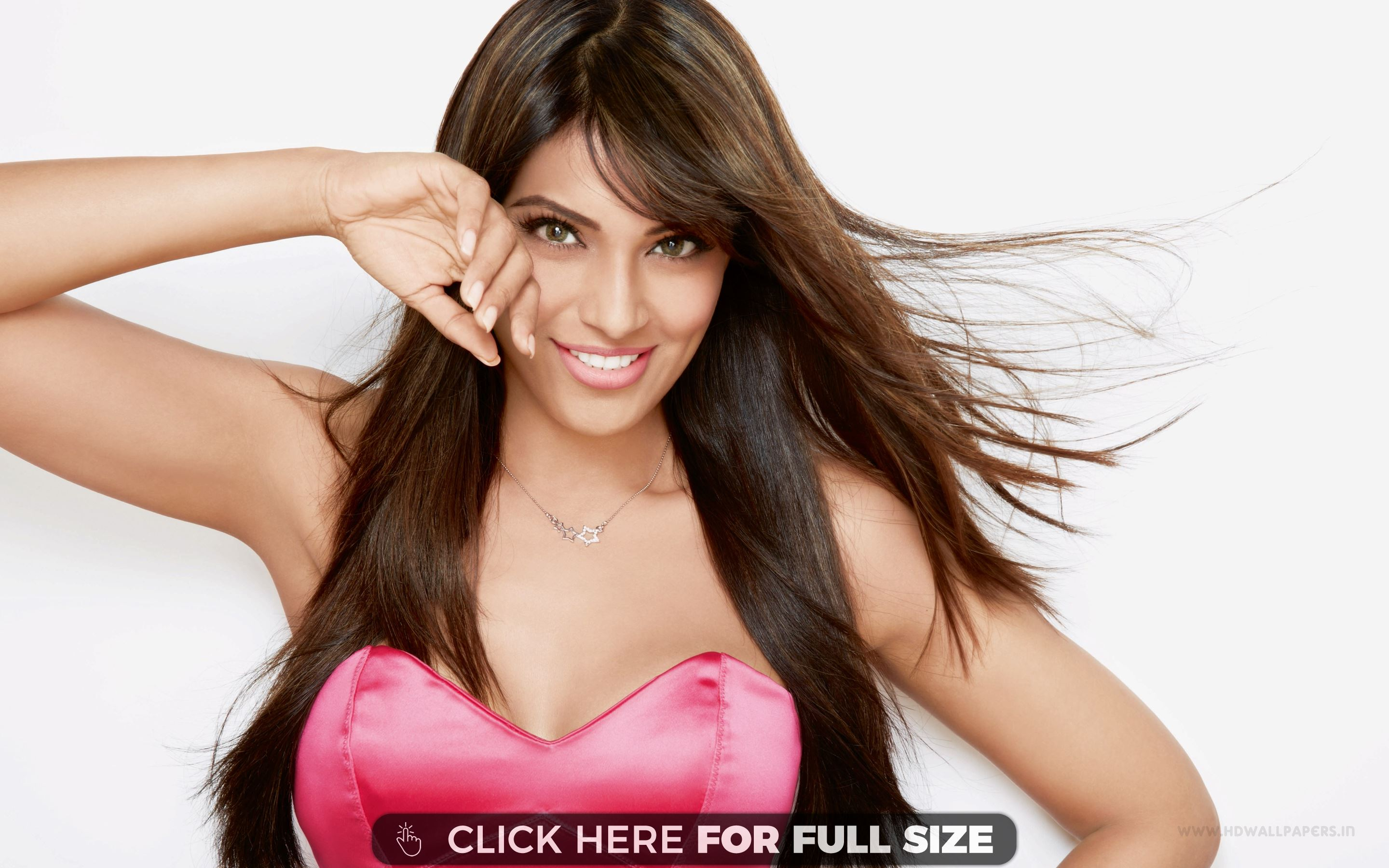 Bipasha-Basu-Breaking-News-and-pics-videos-with-gossip-aisakya-in-wallpaper-wpc5802842