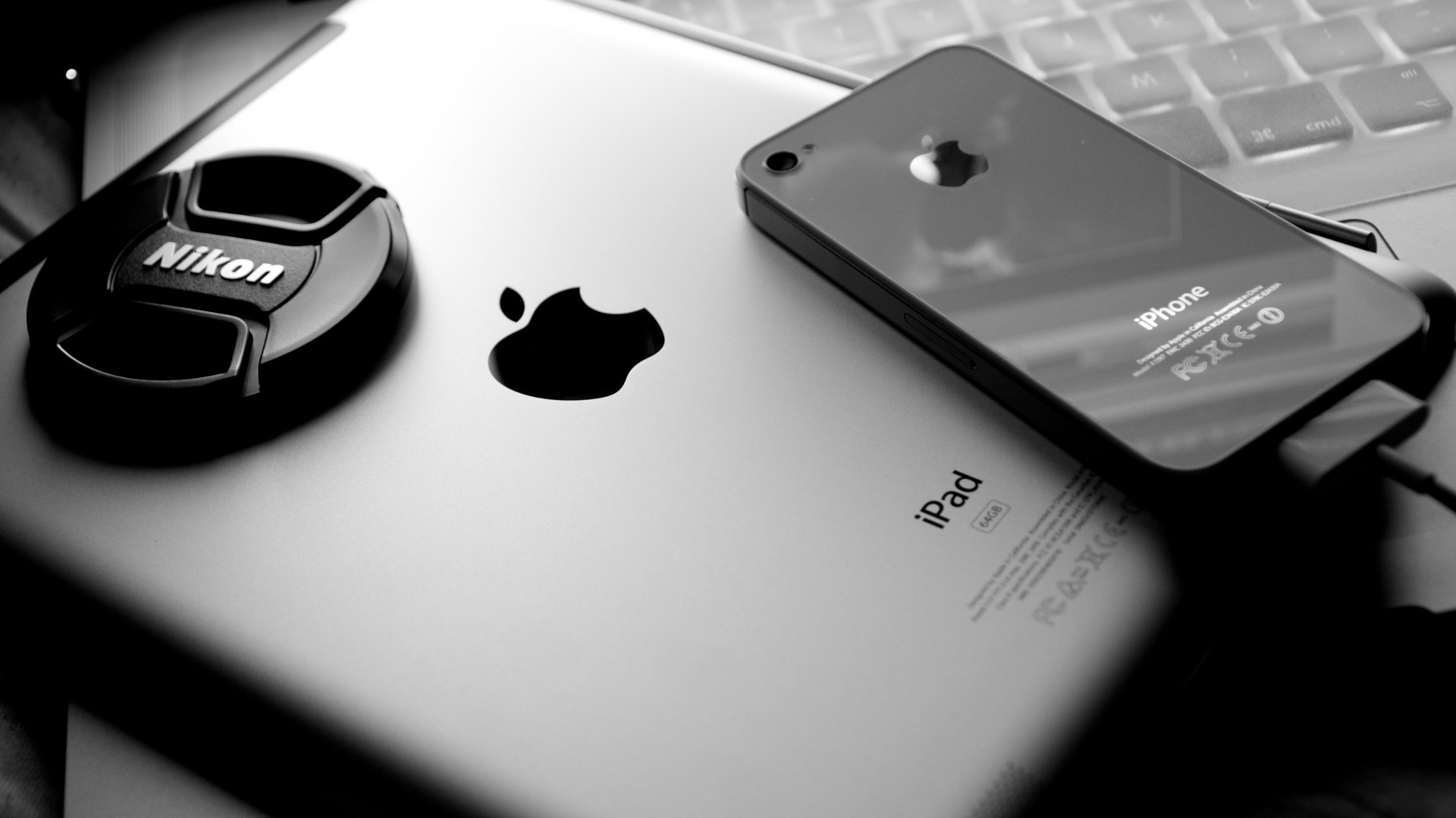Black-And-White-Apple-Inc-IPad-Apples-IPhone-wallpaper-wpc9002914