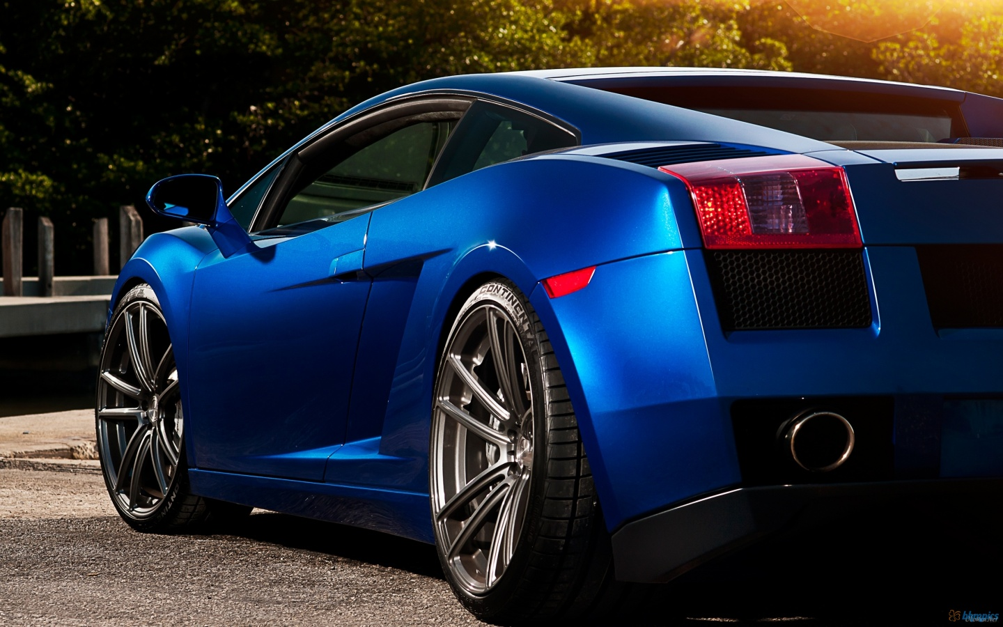 Blue-Lamborghini-1080p-wallpaper-wp3803312