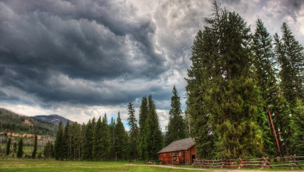 Cabin-in-storm-wallpaper-wpc5803134