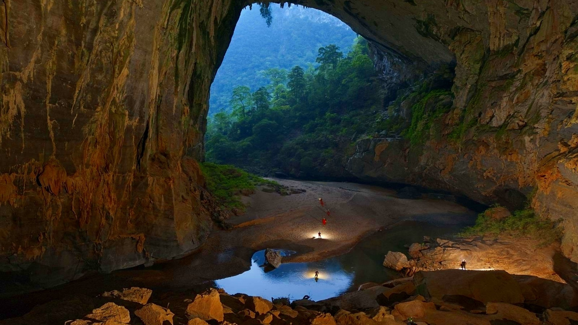 Cave-Buddhist-wallpaper-wp3803674