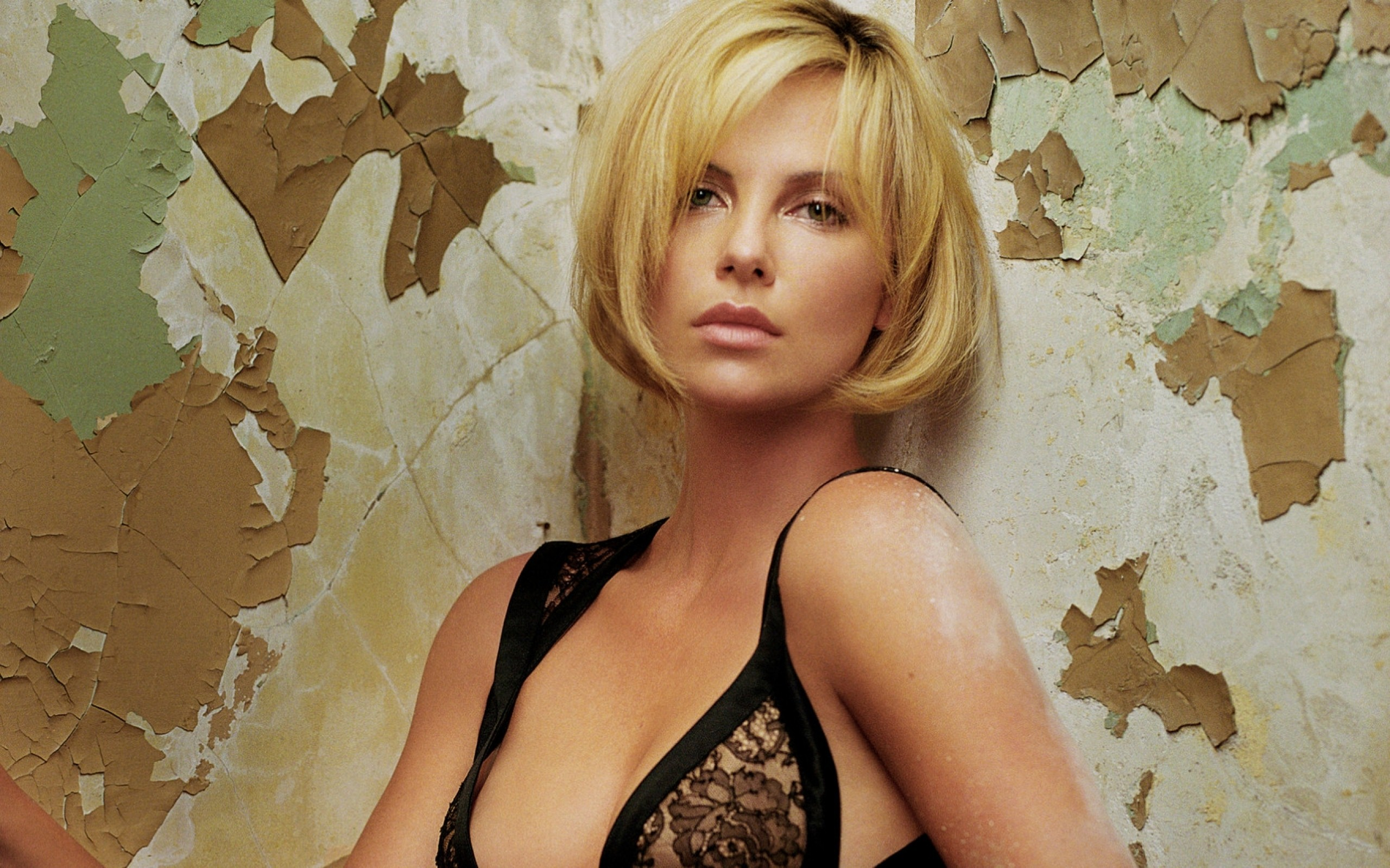 Charlize-Theron-HD-Backgrounds-wallpaper-wpc9203493