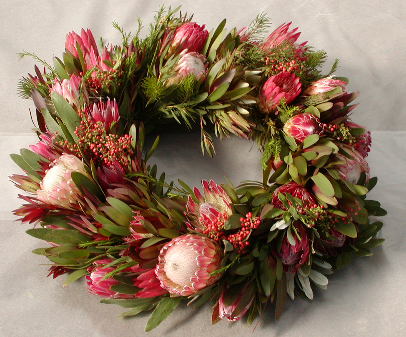 Christmas-Wreaths-See-more-beautiful-DIY-Chrsitmas-Wreath-ideas-at-DIYChristmasDecorations-net-wallpaper-wpc9003561