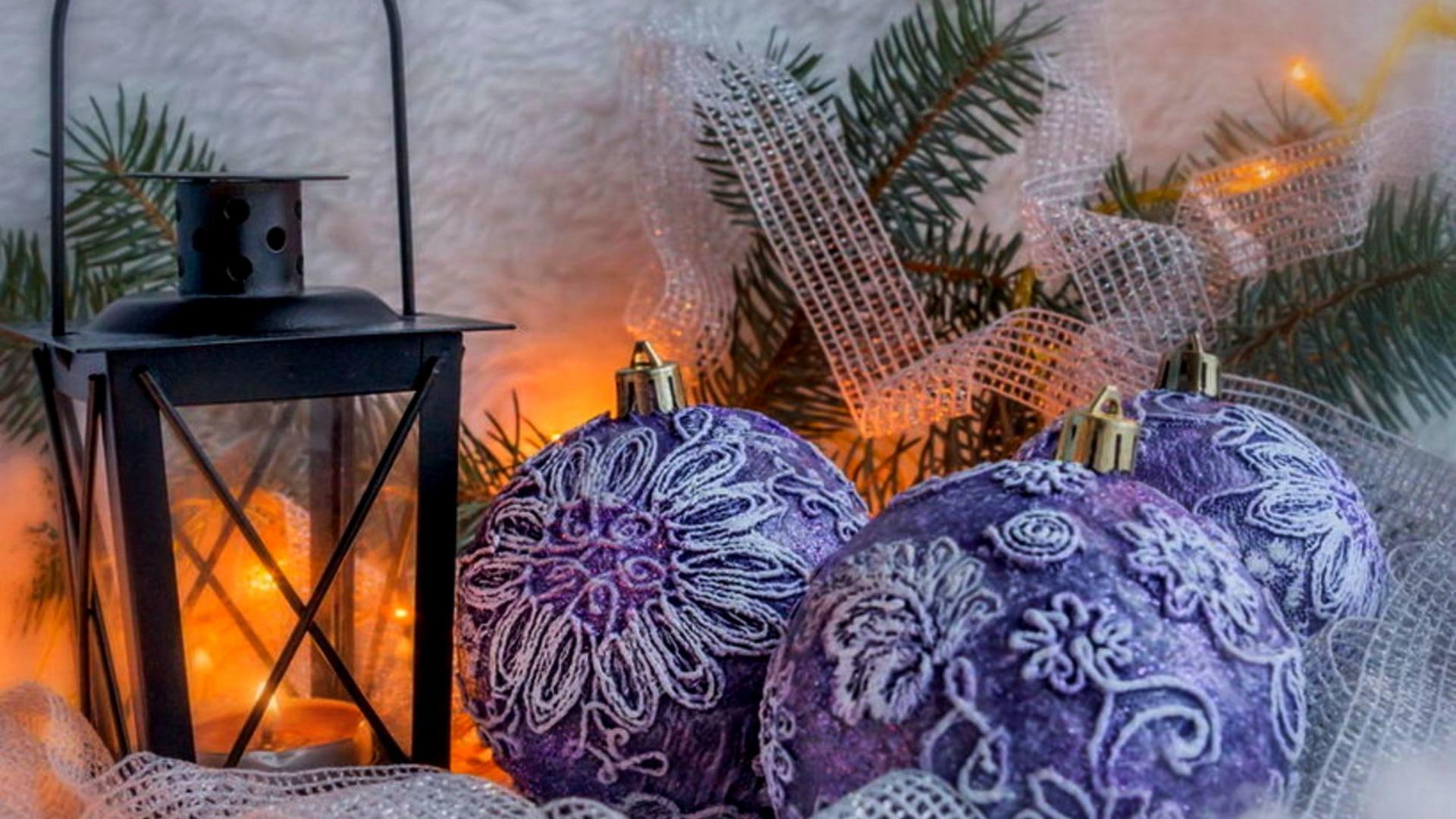 Download-snow-balls-tree-new-year-candle-lantern-Christmas-balls-bumps-tree-Chri-wallpaper-wp3804821