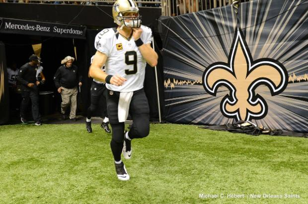 Drew-Brees-vs-Miami-Dolphins-wallpaper-wpc5804435