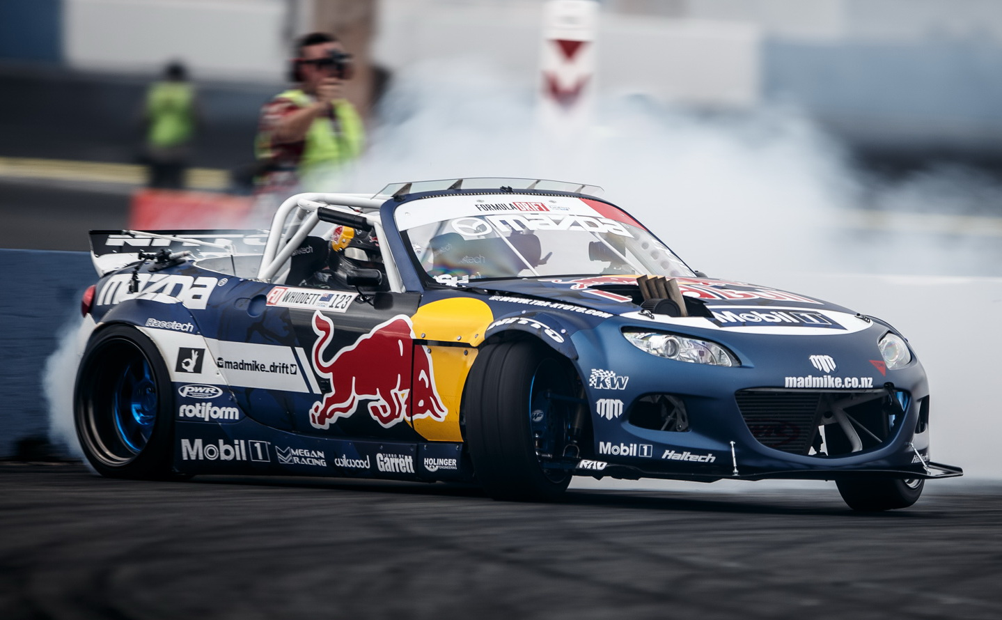 Drift-wallpaper-wpc5804438