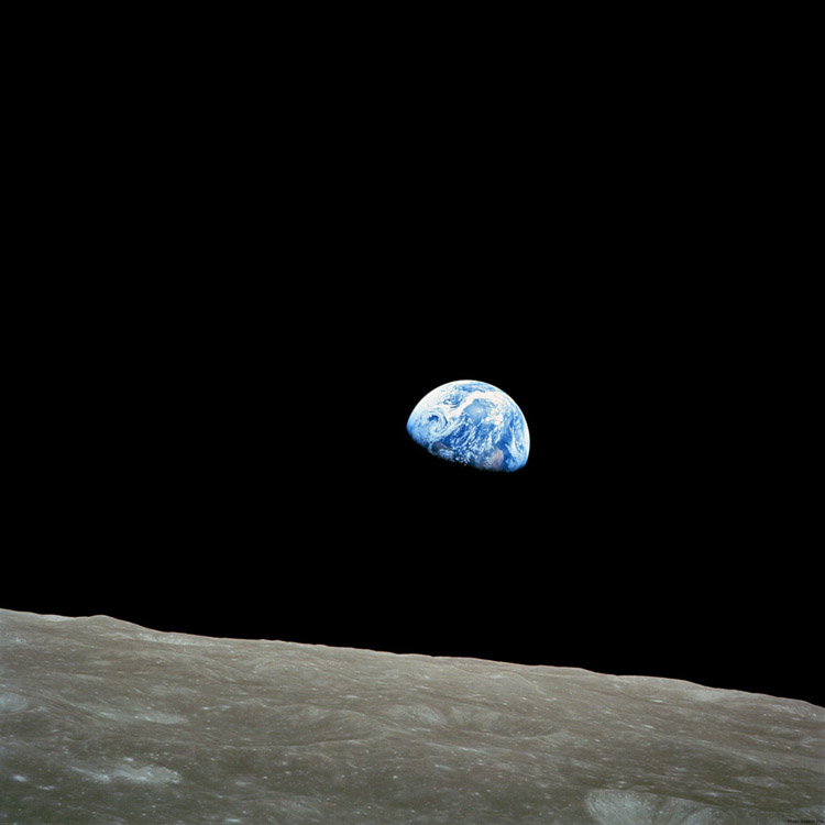 Earthrise-A-photo-taken-by-astronaut-William-Anders-during-the-Apollo-mission-in-wallpaper-wp3804999