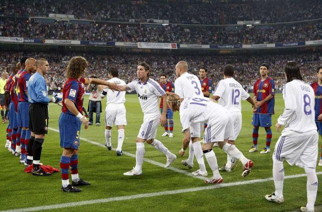 El-Pasillo-que-los-Barcelonistas-nunca-olvidaran-haciendole-honor-a-su-Padre-wallpaper-wp3805041