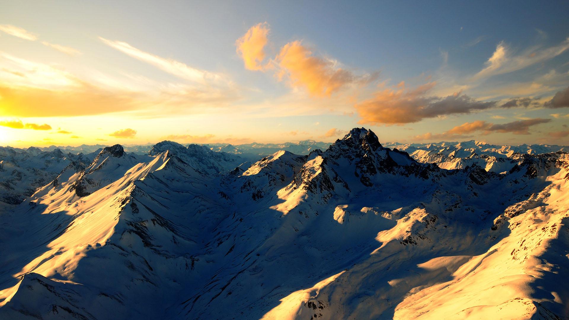 Free-Desktop-Backgrounds-Snow-Mountain-wallpaper-wpc9005196