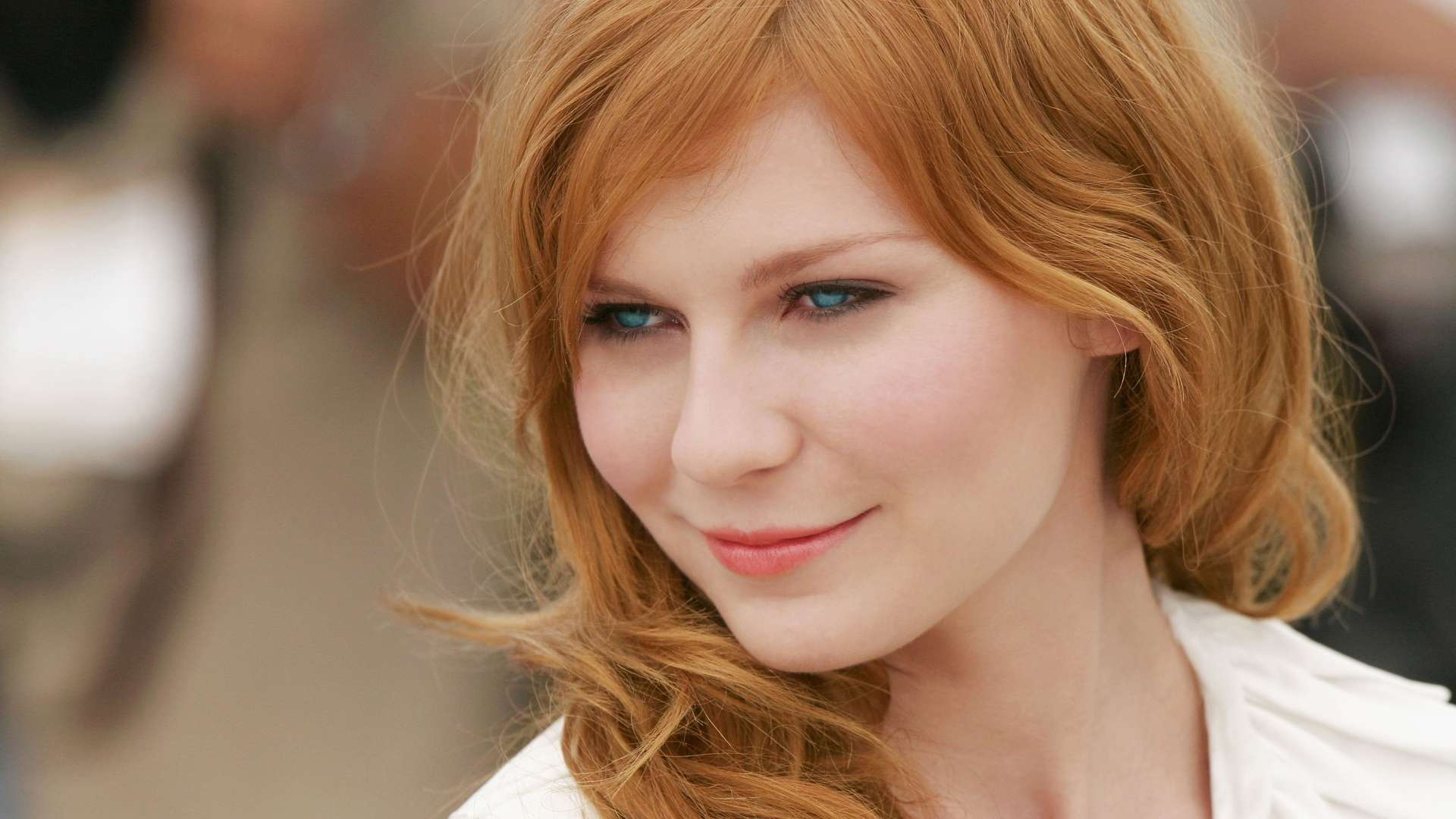 Kirsten-Dunst-Redhead-and-Blue-Eyes-http-www-fullhdwpp-com-people-kirsten-dunst-redhead-and-bl-wallpaper-wpc5806576