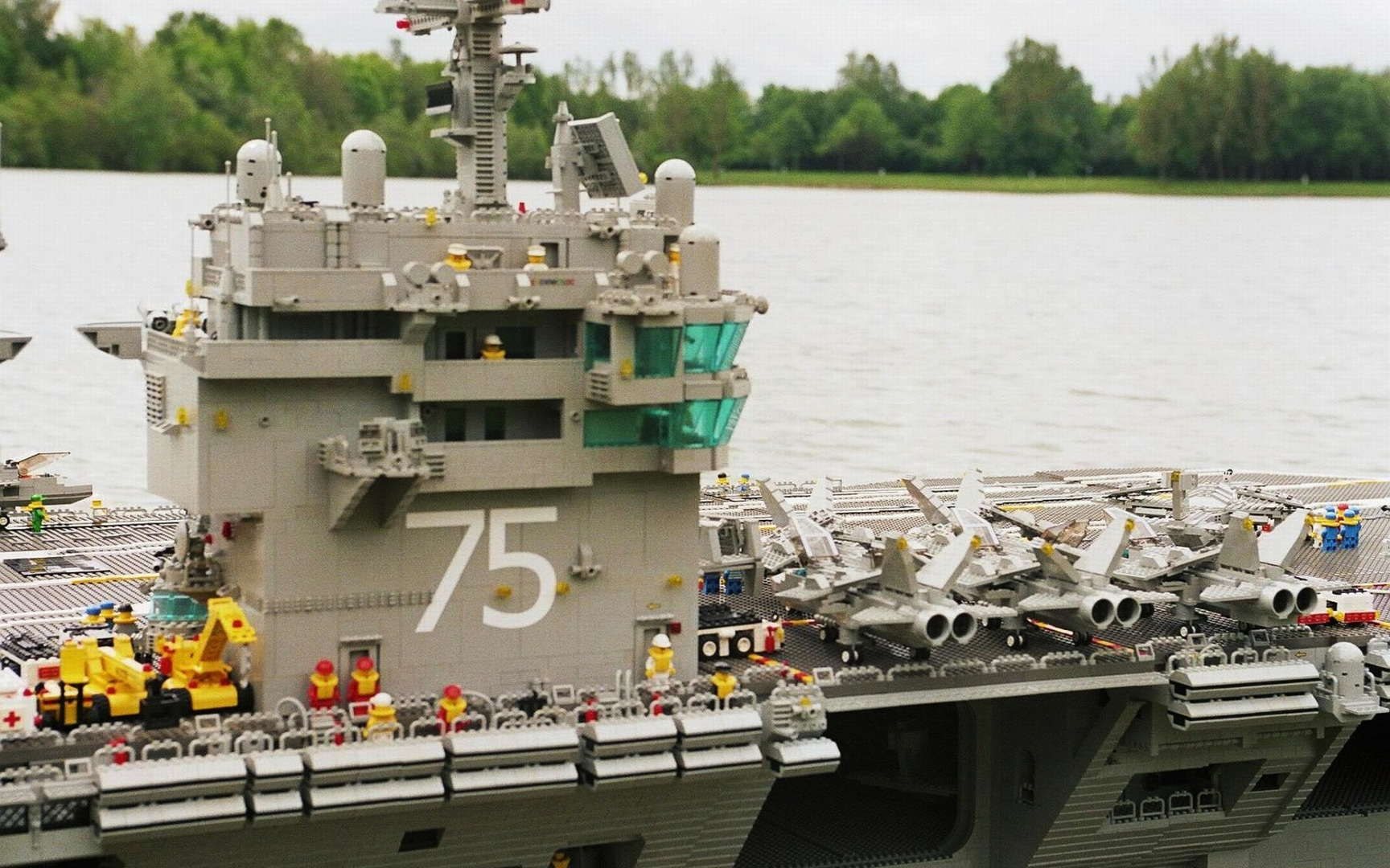 LEGO-Soldiers-Lego-Aircraft-Carrier-Military-Desktop-Free-wallpaper-wp3807633