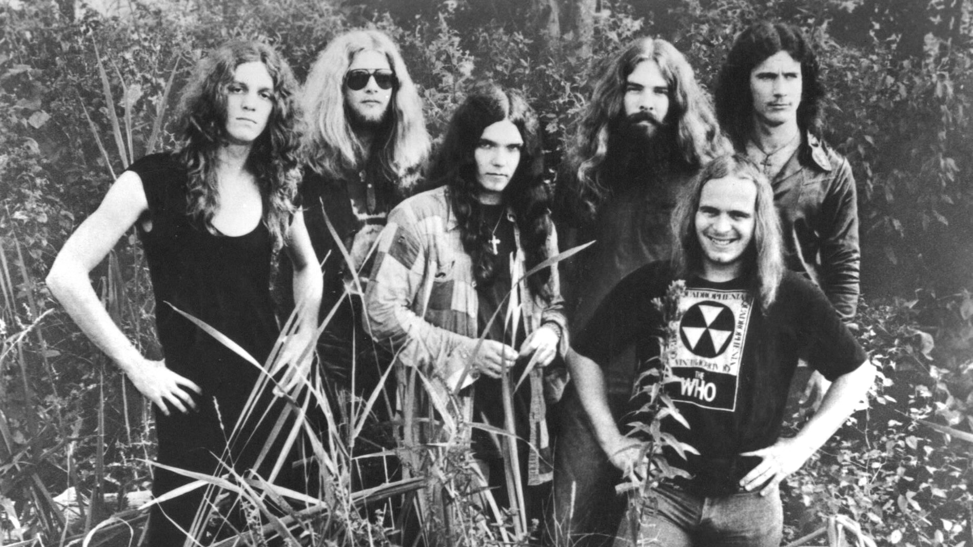 Lynyrd-Skynyrd-is-an-American-rock-band-best-known-for-popularizing-the-southern-hard-rock-genre-dur-wallpaper-wpc9206945