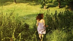 Preview-girl-green-summer-grass-runs-1920x1080-wallpaper-wpc9008650