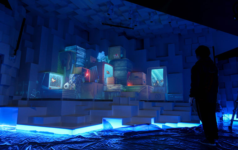 Projection-mapped-cubed-space-at-World-Expo-Yeosu-Korea-wallpaper-wp3809550