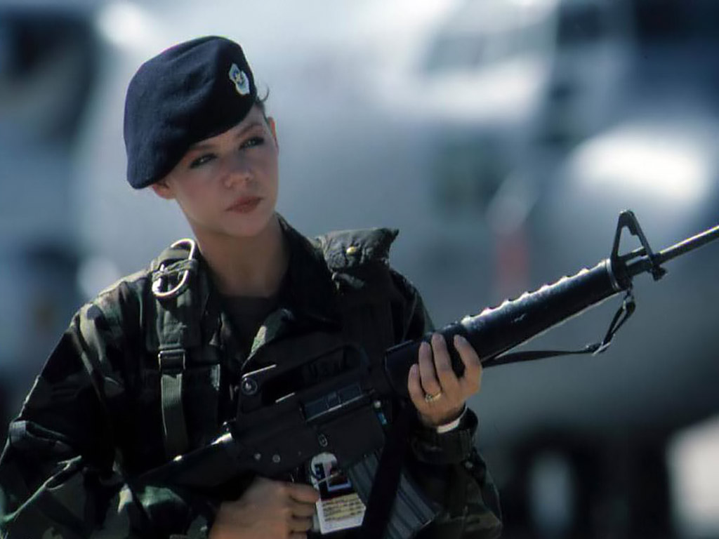 Russia-miitry-women-Nature-Females-Motors-Military-Female-Soldiers-with-x768-wallpaper-wpc9008967