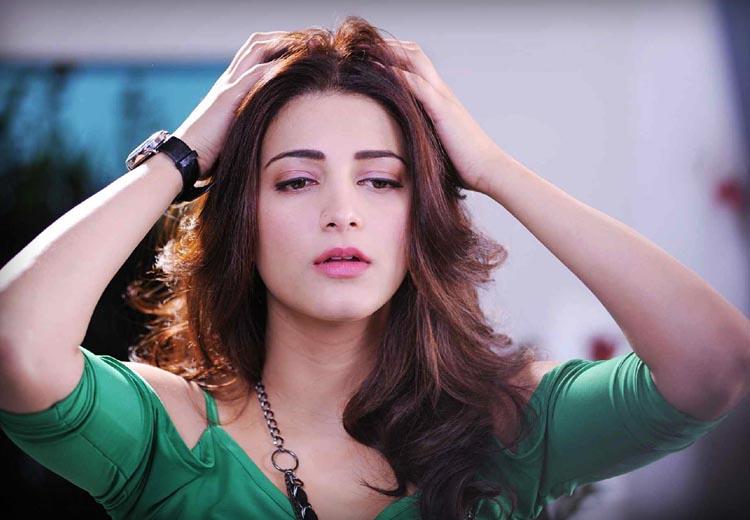 Shruti-Haasan-taking-fighting-lessons-for-%E2%80%98Sanghamitra%E2%80%99-Bollywood-Movies-TIMC-TheIndianMovie-wallpaper-wpc9009146