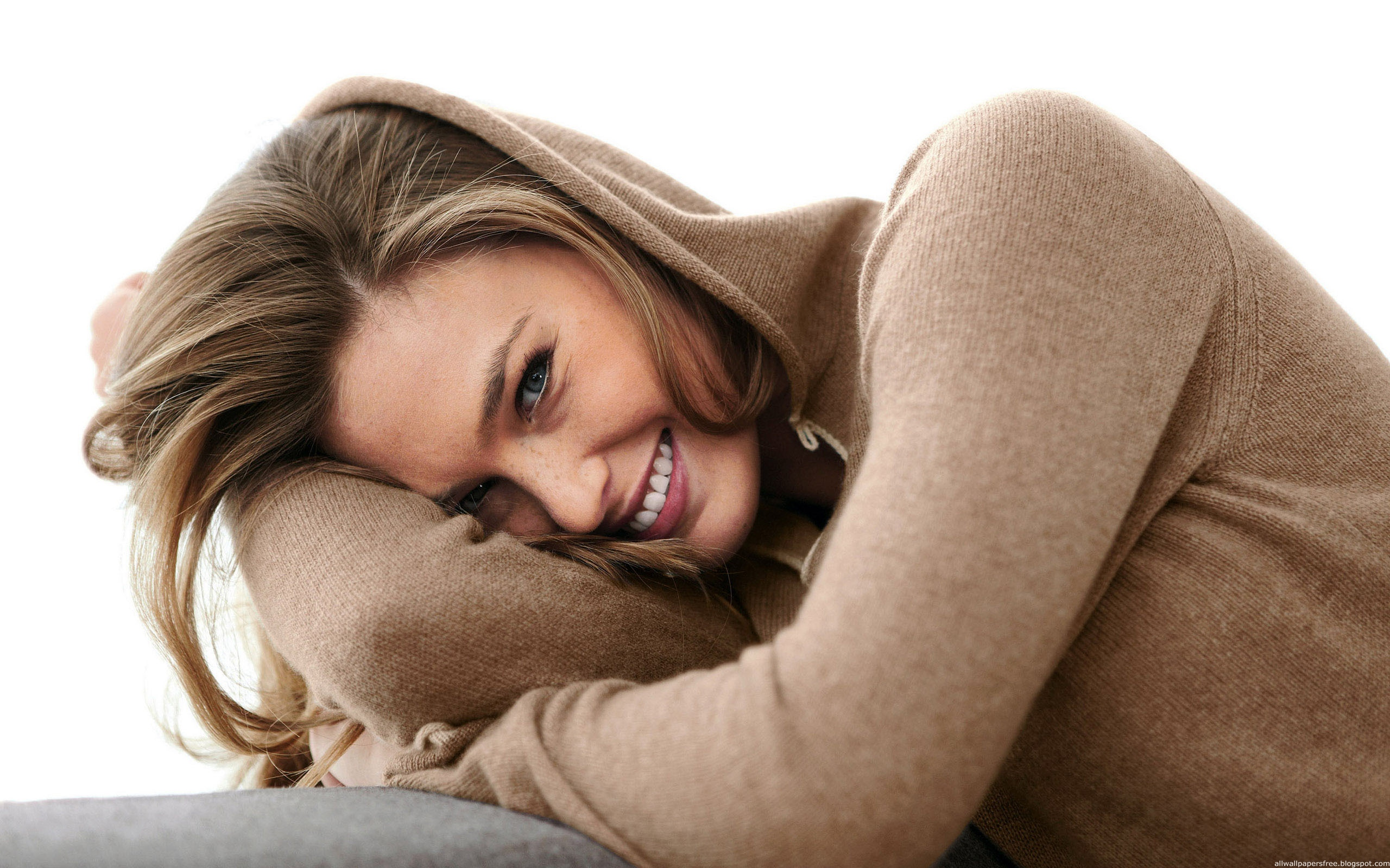 ddfccbcedbeefbdbbc-beautiful-smile-beautiful-pictures-wallpaper-wp3601419