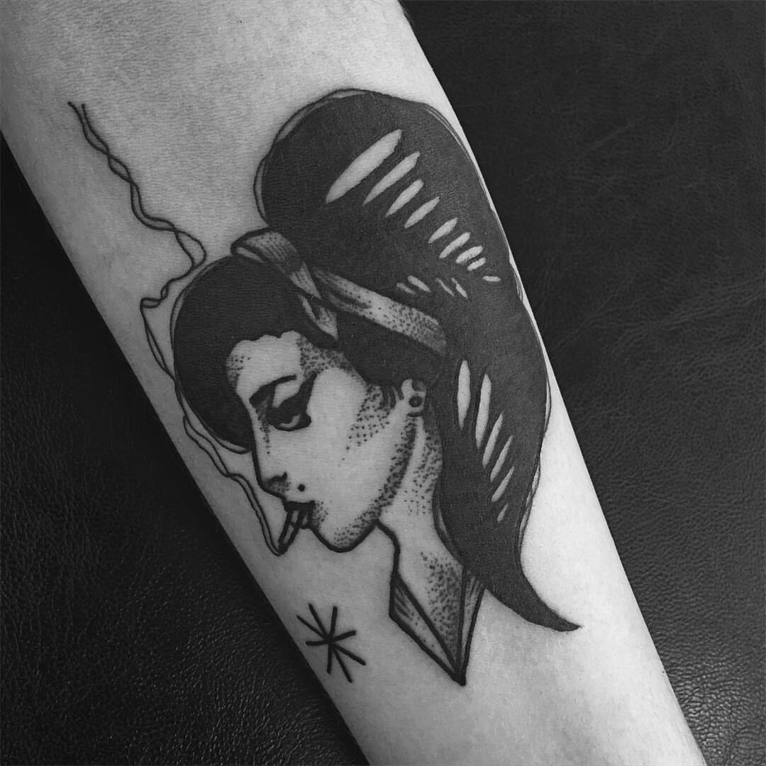 dfdaeafefabfddee-amy-winehouse-tattoo-weed-wallpaper-wpc5803882