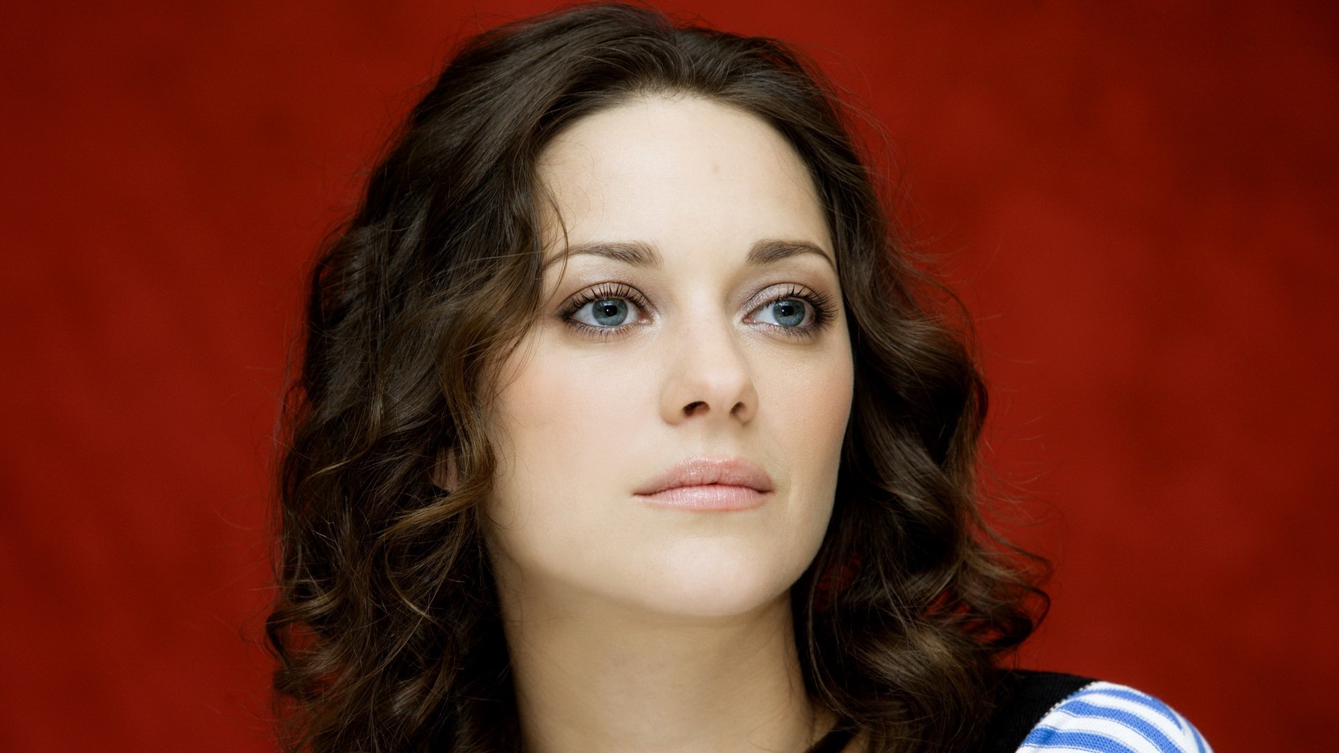 marion-cotillard-make-up-wallpaper-wpc9007442
