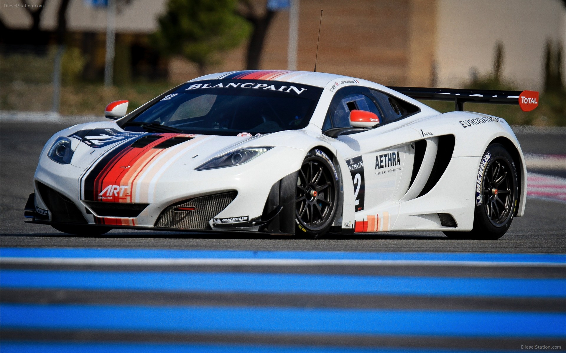 mclaren-mp-c-gt-Mclaren-Mp-c-Gt-Widescreen-Exotic-Car-wallpaper-wpc5807087