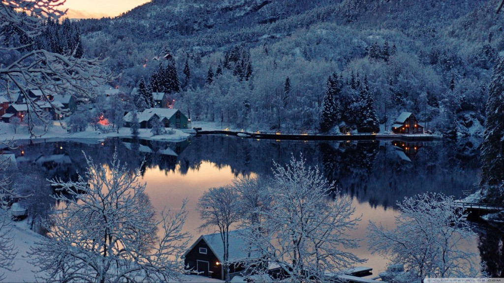 Desktop-Winter-Wallpaper-HD-mountain_resort_winter-wallpaper-1366x768-1024x576