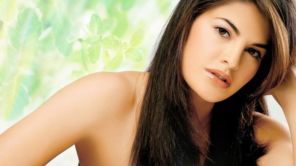 Jacqueline-Fernandez-HD-1366x768-1024x576