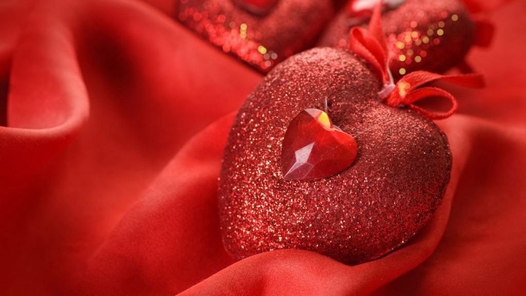 love-wallpaper-heart_red_gift_love_silk_4643_1366x768-1024x576