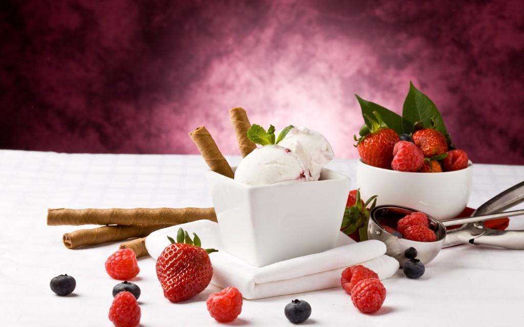 Cream-wallpaper6-1024x640