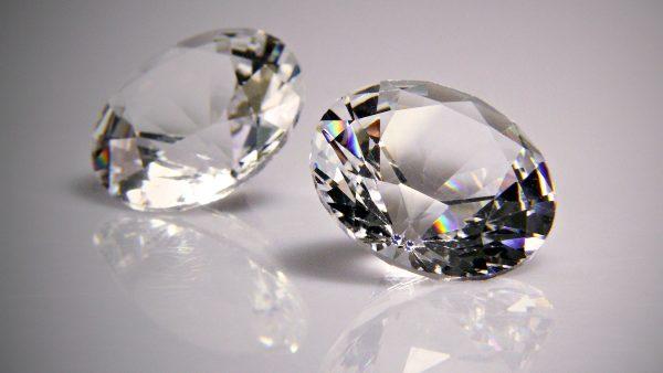 diamonds-wallpaper-HD2-600x338
