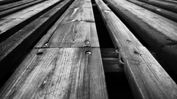 grey-and-white-wallpaper-HD7-600x338