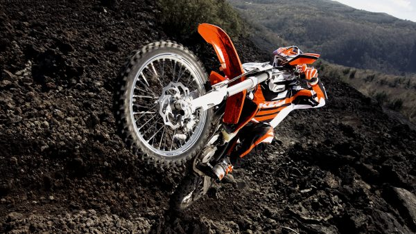ktm-wallpaper-HD1-600x338