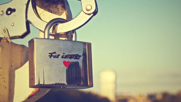 love-pictures-wallpapers-HD2-600x338