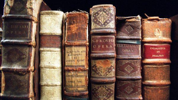 books-wallpaper1-600x338
