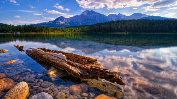 lake-wallpaper-HD8-600x338