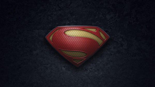 superman-iphone-wallpaper-HD2-600x338