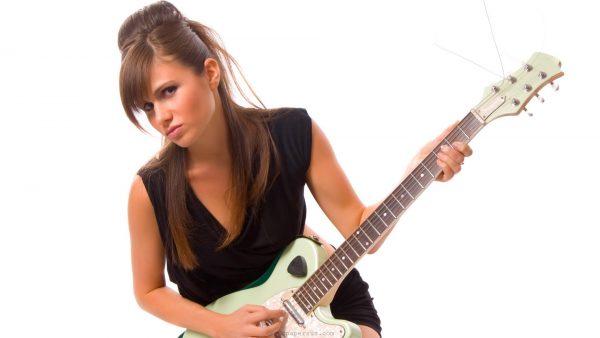 guitar-iphone-wallpaper-HD-600x338