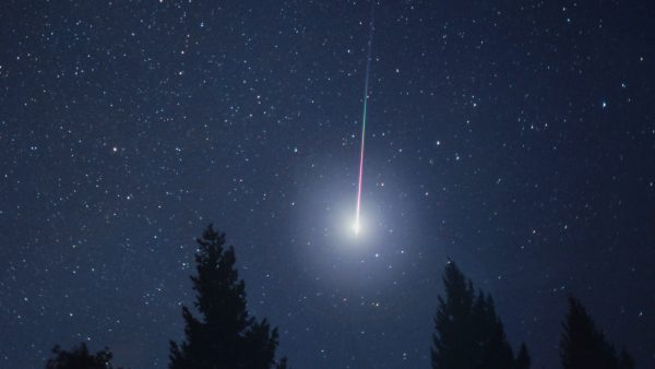 shooting-star-wallpaper-HD3-600x338