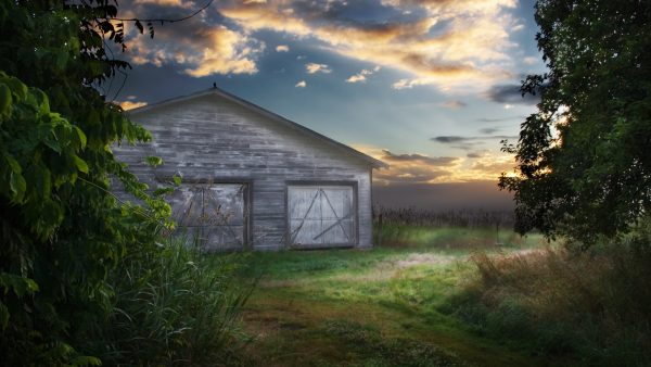 barn-wallpaper5-600x338